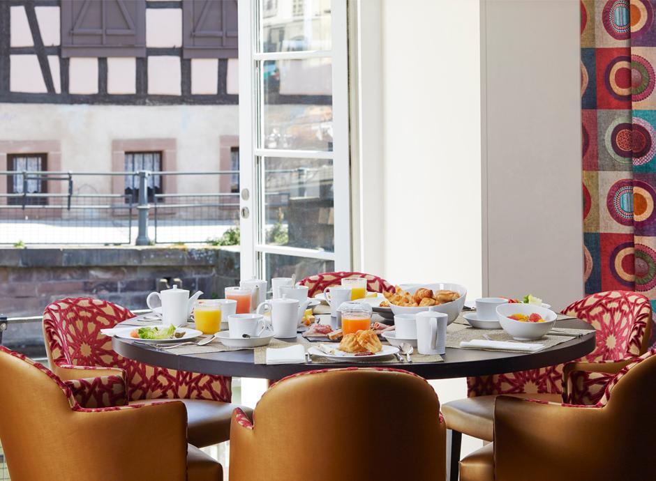 Restaurant Le Pont Tournant petit déjeuner